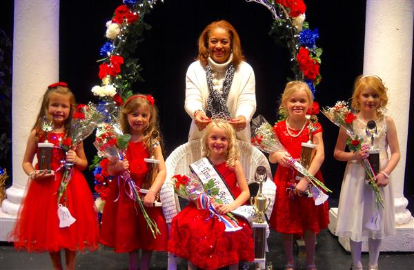 Peyton Snyder (4th); Justine Minnick (2nd); Ava Kithcart (Queen); Peyton Henry (1st); Isabella Jacot (3rd);  Dr. Darin Gilpin
